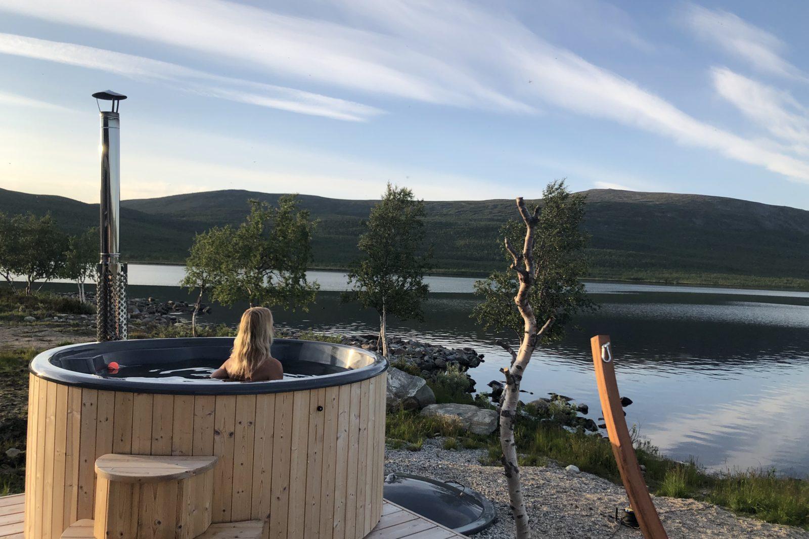 Arctic Land Adventure hot tub palju peerajärvi